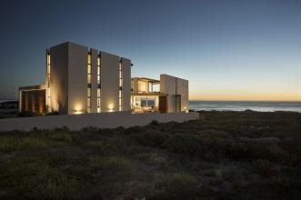 Pearl Bay Residence | Gavin Maddock Design Studio