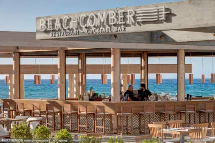 """Beachcomber"" Restaurant - Cocktail Bar 